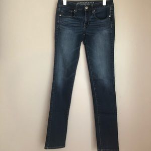 AEO Super Stretch Skinny Jeans - Sz 6 LONG, EUC